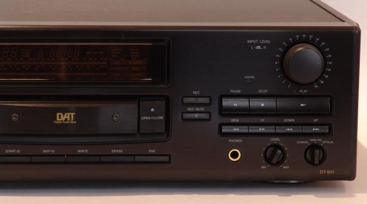 DT-901 Integra Sztereó DAT Recorder