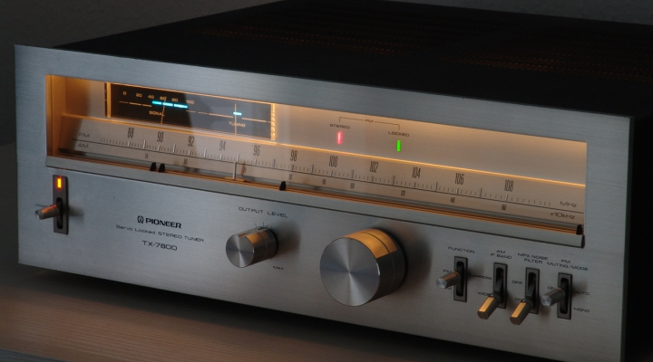 TX-7800 Stereo Tuner