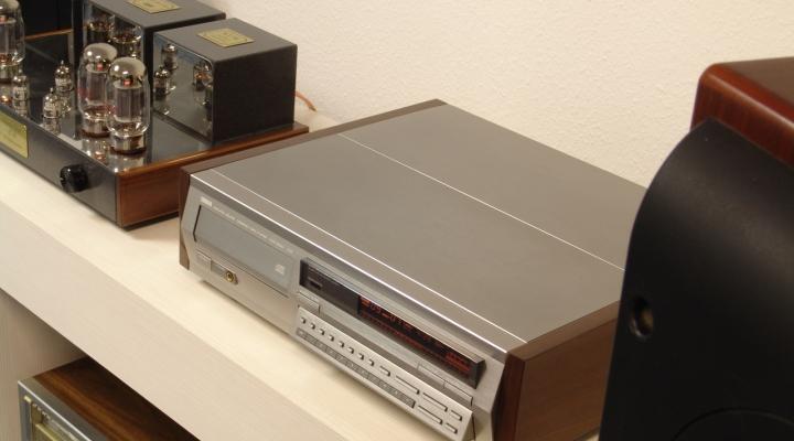 CDX-2020TI Sztereó CD lejátszó