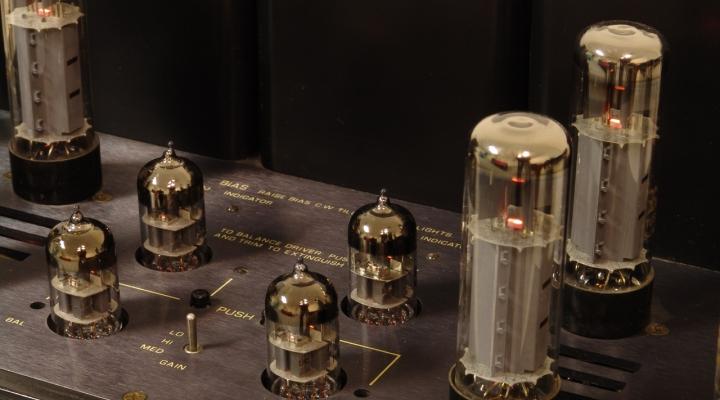RM-9 Stereo Tube Amplifier